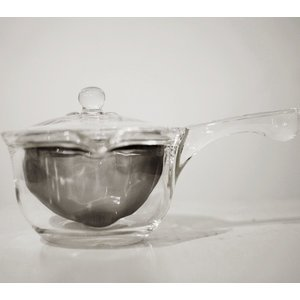 Side Handled glass tea pot with stainless steel mesh infuser basket & recessed glass lid.