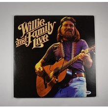 Willie Nelson 'Willie and Family Live' Signed Record Album LP Certified Authentic PSA/DNA COA